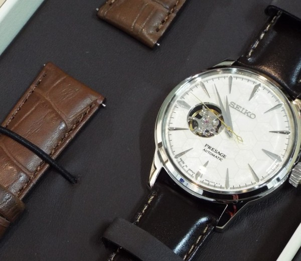 特別仕様の時計あります!