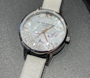 女性用腕時計えらんでみた。