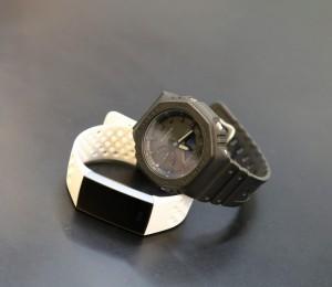 スマートウォッチとアナログ時計