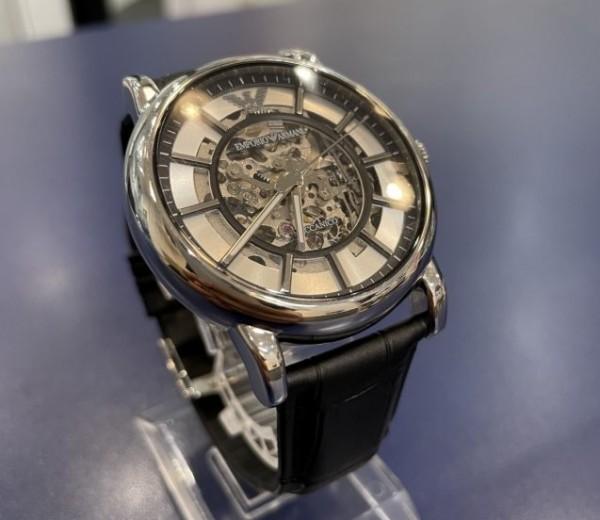 EMPORIO ARMANIの機械式時計!