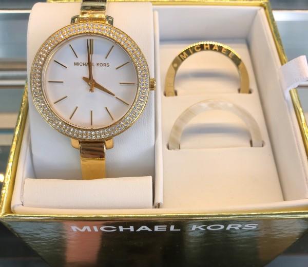三面六臂の時計マイケルコース