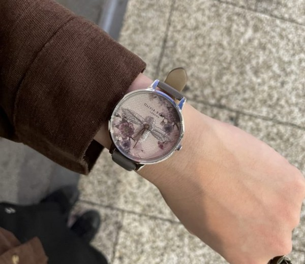 秋にピッタリな時計!