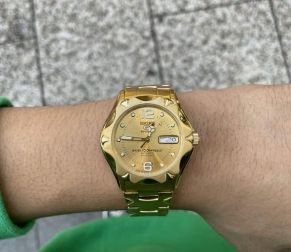 ゴールドの時計をお探しの方は是非!